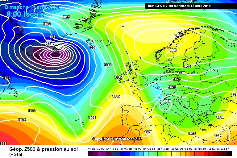 L'alta pressione si estende sulla Penisola Scandinava richiamando correnti di aria fredda e tempo perturbato sull'Italia