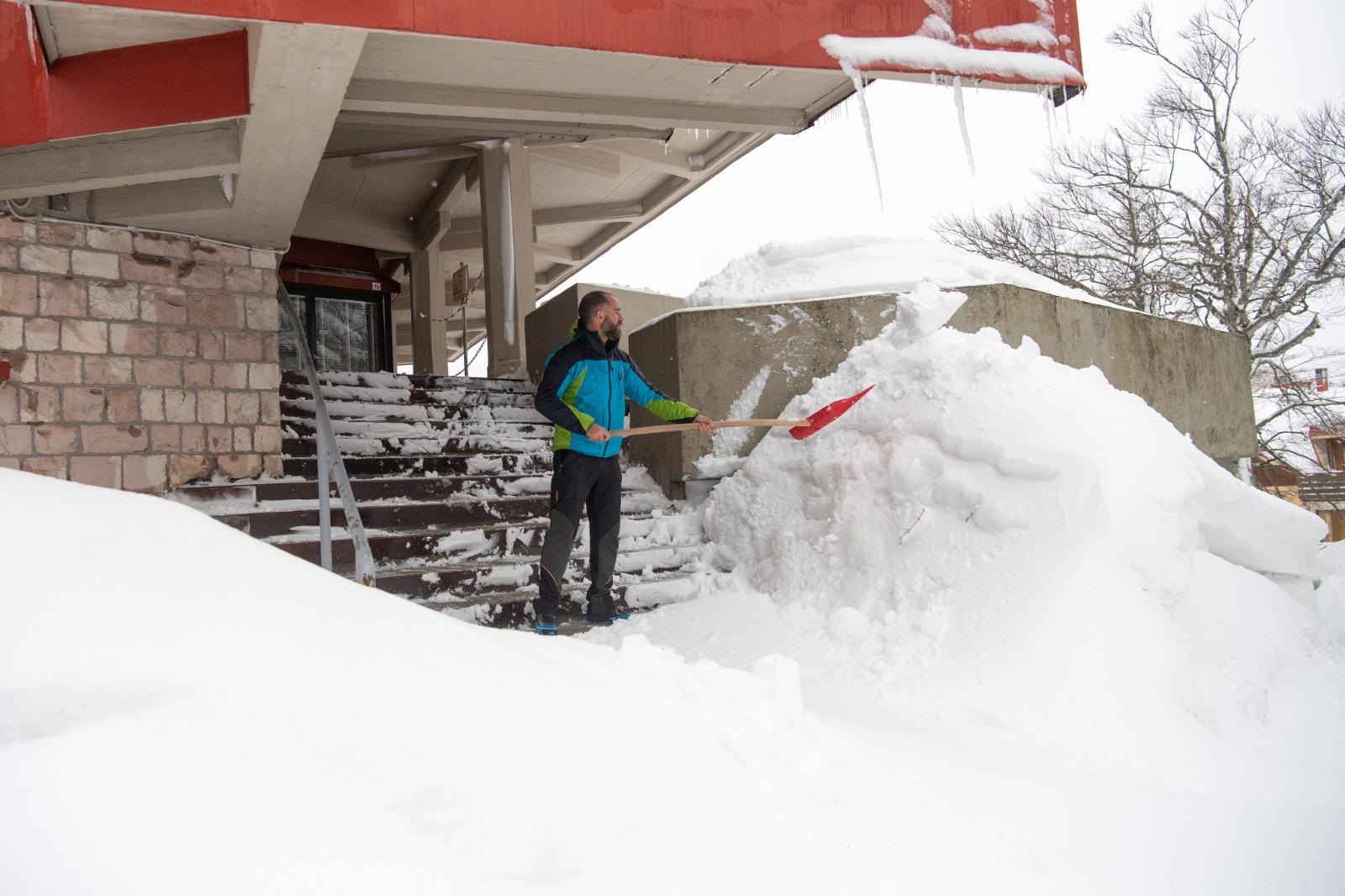 Una giornata sotto la neve al Terminillo dove sono caduti circa 40 cm di neve fresca. Foto Francesco Patacchiola